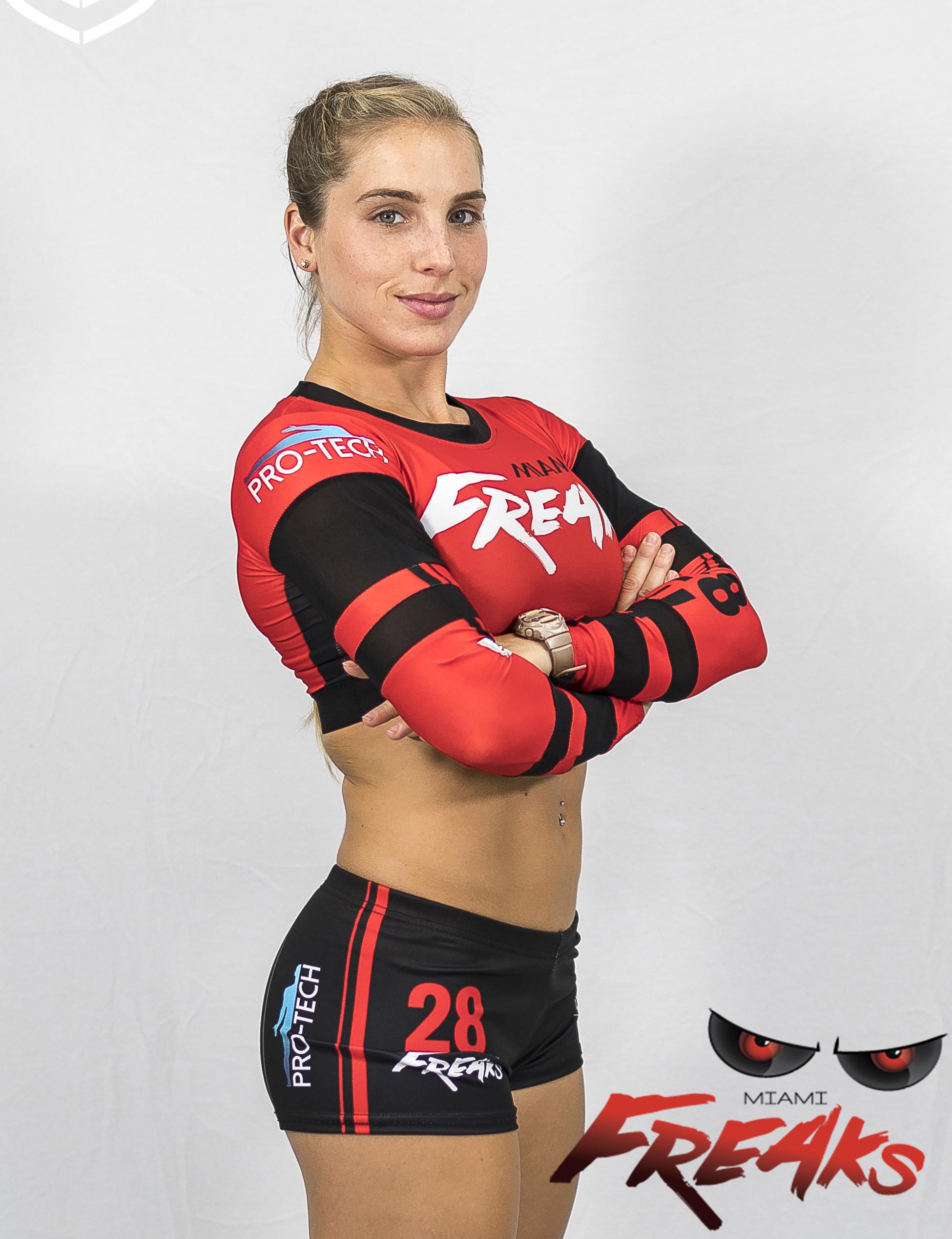 Julie Gonzalez - #28