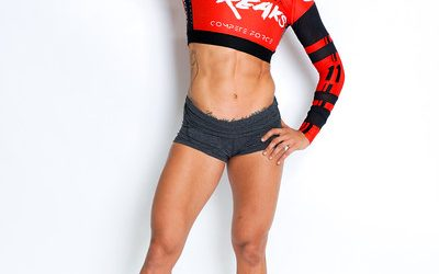 Paula Leyes, the first female ever to perform butterfly muscle-ups in the Florida Grid League.